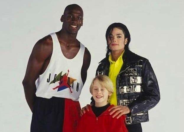 3. 1991 год. С Майклом Джорданом и Майклом Джексоном на съемках видео на песню Джексона