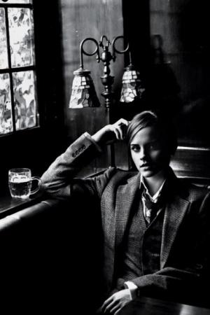 Эмма Уотсон в новой фотосессии