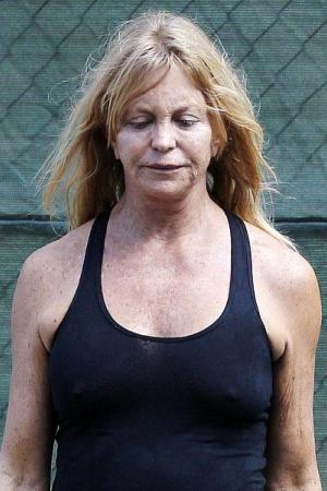 Голди Хоун удивила лицом без грима (фото)