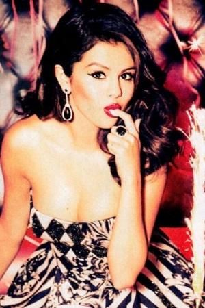 Селена Гомес стала героиней модного глянца (фото)