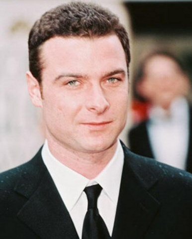 Лив Шрайбер актер