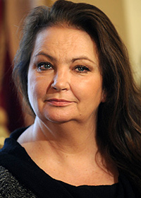 Анна Дымна холли берри википедия