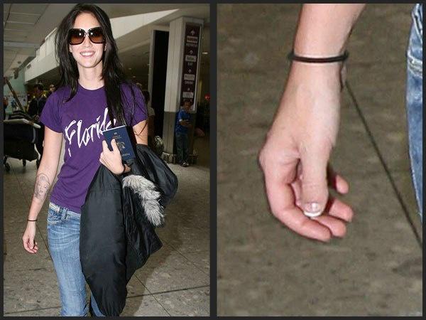 У Меган Фокс очень короткий похожий на луковицу ноготь на большом пальце. Ноготь как у маленького ребенка.