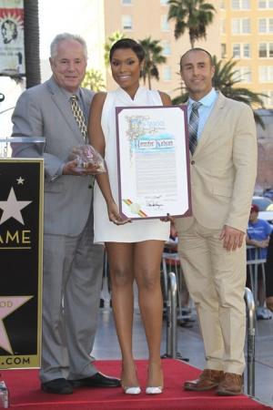 Дженнифер Хадсон удостоена звезды на Голливудской Аллее Славы