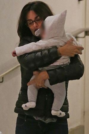Пенелопа Крус появилась на публике со своей маленькой дочкой