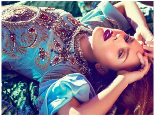 Скарлетт Йохансон на обложке Vogue