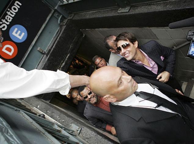 Том Круз в метро