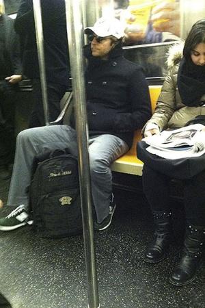 Бредли Купер в метро