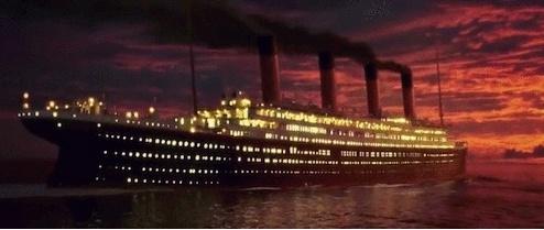 """На создание фильма """"Титаник"""" ушло больше денег, чем на строительство настоящего Титаника. Расходы на фильм: 200 млн долларов. Расходы на строительство корабля:7,5 млн долларов( на сегодняшний день это примерно 150 млн долларов)"""