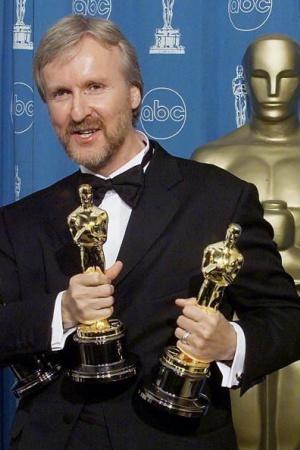Фильм получил рекордное количество Оскаров, а также множество наград Американской академии киноискусства