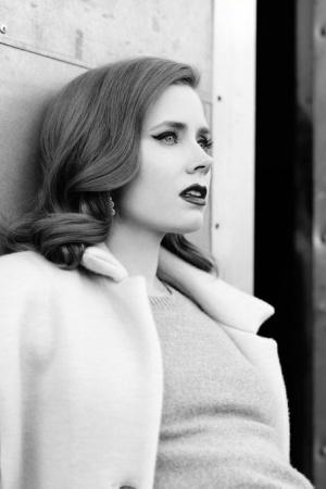 Эми Адамс в черно-белой фотосессии