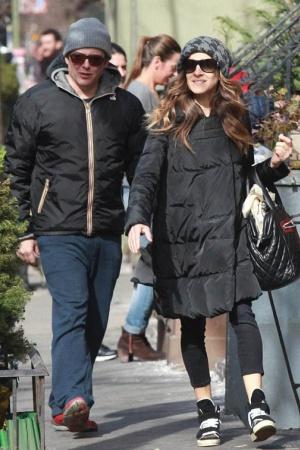 Сара Джессика Паркер и Мэттью Бродерик на романтической прогулке