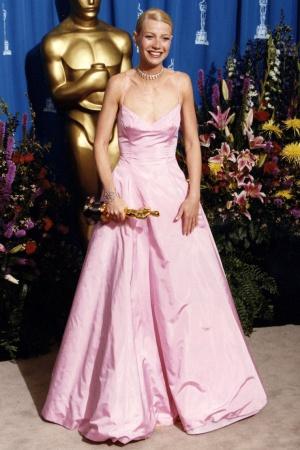 Гвинет Пэлтроу в платье от Ральфа Лорена, 1999