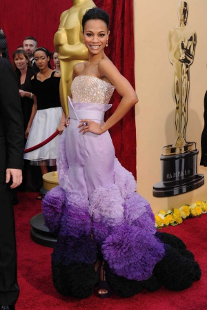 Зои Салдана в платье от Givenchy, 2010