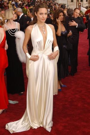Анджелина Джоли в платье от Marc Bouwer, 2004