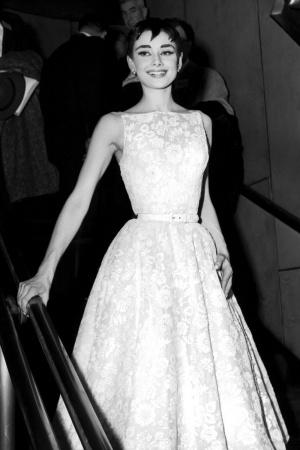 Одри Хепберн в платье от Hubert de Givenchy, 1954