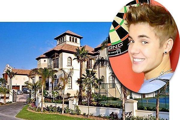 4. 19-летний Джастин Бибер купил после этого дом в Калабасасе с 6 спальнями и с 7 ванными. $ 6.000.000