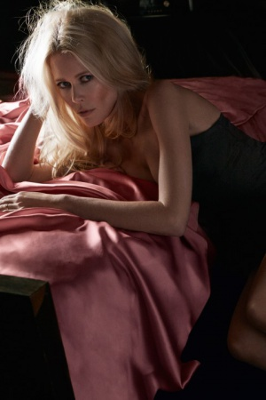 Клаудиа Шиффер в новой фотосессии