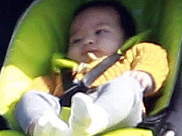 Холли Берри взяла 5-месячного сына на съемки