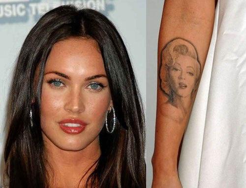 """В 2007 году Мегак Фокс, к слову, та ещё любительница расписать своё тело, решила сделать на руке тату с изображением своего кумира. Как оказалось, это изображение несло ещё больший сакральный смысл. Мерилин должна была напоминать Меган о том, чтобы она """"не дала кинематографу и популярности себя сломать"""". Но в 2011 году, видя, как мучаются стилисты каждый раз, чтобы скрыть её тату под слоем грима, Фокс приняла решение убрать татуировку. """"Я вывожу её. Это негативный персонаж. Она страдала от личностного биполярного расстройства. И я не хочу, чтобы эта негативная энергетика присутствовала в моей жизни. Тем более, не хотела бы всё время носить её с собой"""" – заявляла тогда Меган."""