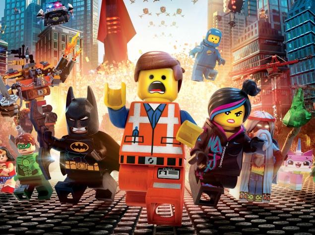 """Мультик """"Lego фильм"""". Обычная лего-фигурка, ошибочно считающая себя фигуркой из элитного набора, соглашается присоединиться к походу против злого лего-диктатора, планирующего склеить вместе всю вселенную."""