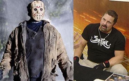 Джейсон Вурхиз (Jason Voorhees), исполнивший роль главного негодяя в фильме ужасов Пятница 13, тоже был не одинок. Он один из многих актеров, игравших этого неутомимого злодея. Каскадер Кэйн Ходдер (Kane Hodder) - единственный, которому посчастливилось сыграть его в нескольких сериях. Если быть точным, то аж в четырех! Между прочим, в реальной жизни он проживает в частном доме под номером 13 на 13-й улице.