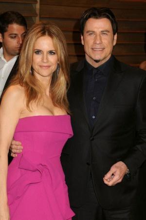 Келли Престон. Престон и Клуни жили вместе два года до того как расстались в 1989 году. Во время совместного проживания актер подарил Престон свинью по имени Макс, которую забрал после расставания себе. Сейчас Келли Престон замужем за Джоном Траволтой.