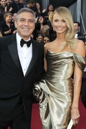 Стейси Кейблер. Кейблер профессиональный рестлер и модель встречалась с Клуни около двух лет, они расстались в июле 2013 года. В марте этого года она вышла замуж.