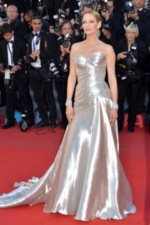 Ума Турман в платье от Versace, 2013 год