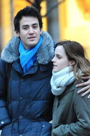 Эмма Уотсон рассталась со своим парнем Уиллом Адамовичем, с которым встречалась около года.