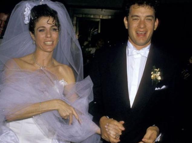 Рита Уилсон и Том Хэнкс женаты с 1988 года, почти 25 лет. У пары есть двое сыновей - Трумэн и Честер. В своем последнем интервью Том признался, что ничего бы не хотел менять в своей жене, настолько она  его устраивает все эти года.