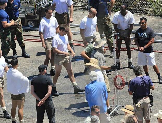 Брэдли Купер на съемках фильма
