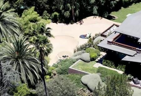 Джоли и Питт построили скейт-парк для 8-летней дочери