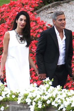 Джордж Клуни с невестой и ее мамой в Италии