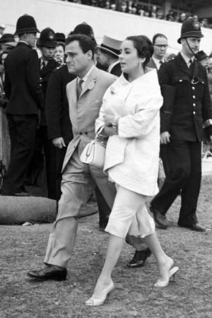 Элизабет Тейлор с мужем на скачках
