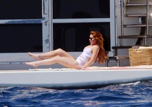 Линдси Лохан продолжает свои итальянские каникулы