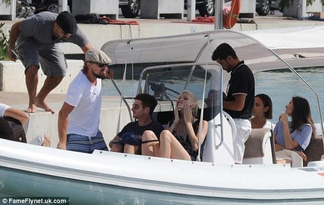 Леонардо ДиКаприо отправился на Ибицу со своей девушкой