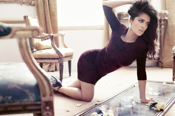 Сальма Хаейк родила в 41 год. В 2007 году у актрисы и французского бизнесмена Франсуа-Анри Пино родилась дочь Валентина Палома Пино.