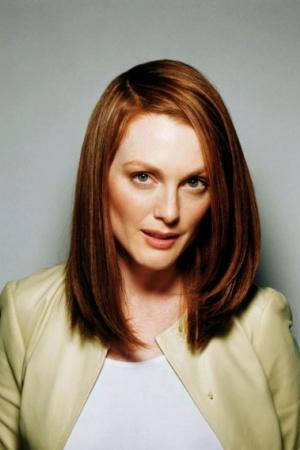 Джулианна Мур родила первенца Калеба в 37 лет. А затем в 42 года родила девочку Лив Хелен.
