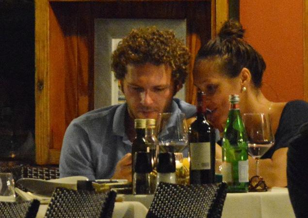 Константин Крюков с женой на отдыхе