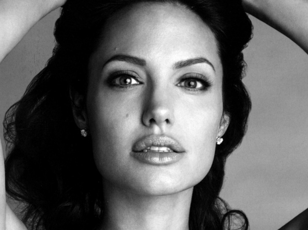 Анджелина Джоли – два брака до 30 лет с Джонни Ли Миллером и Билли Боб Тортоном