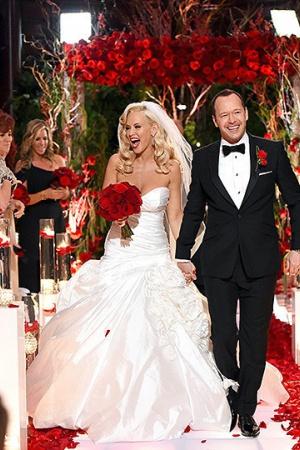 Фото со свадьбы Дженни МакКарти и Донни Уолберга