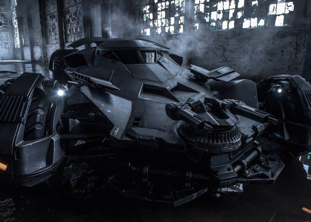 Зак Снайдер показал новый бэтмобиль