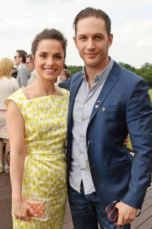 Том Харди и Шарлотта Райли тайно поженились