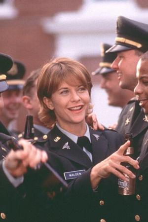 Знаменитые актрисы в военной форме