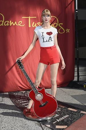 Восковая копия Тейлор Свифт появилась в Голливуде