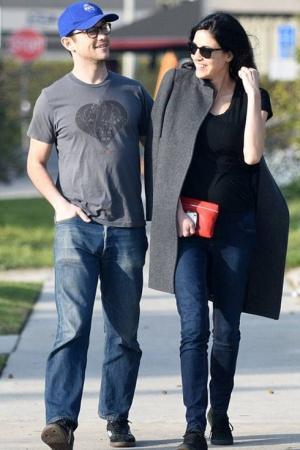 Джозеф Гордон-Левитт со своей молодой женой Ташей