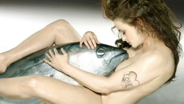 Хелена Бонем Картер разделись ради животных