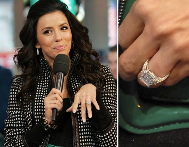 0f2869401b79 Бракосочетания знаменитостей всегда начинаются с красивого дорогого яркого  кольца.