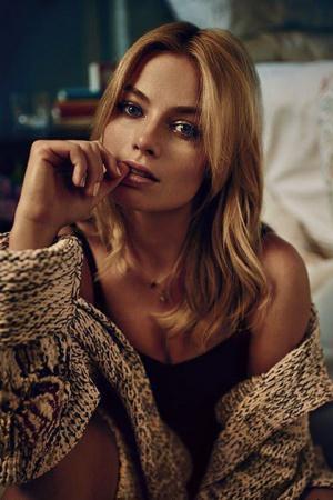 Роскошная блондинка Марго Робби